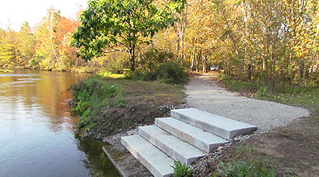 The new path and steps down to the river, built in the fall of 2011